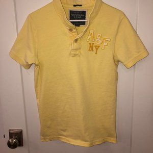Abercrombie & Fitch muscle fit henley EUC LN